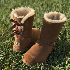 UGG🍂Bailey Bow winter boots Sz 6